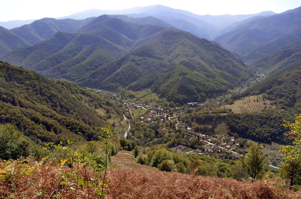 Цели 160 села у нас са напълно обезлюдени, България се топи