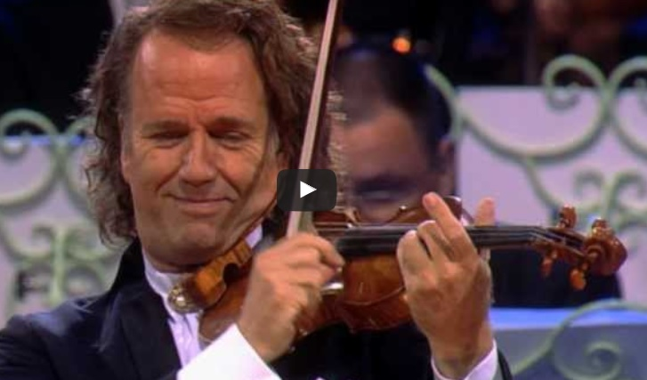 """НАД 15 милиона гледания! Вижте и вие това великолепно изпълнение на """"Втори валс"""" на Шостакович в препълнената зала! (ВИДЕО)"""