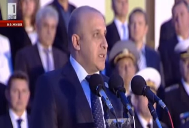Въздействаща реч за изменниците на кмета на Панагюрище, която я видяха над 140 000 българи в цял свят! Заслужава си да се види отново! (ВИДЕО)