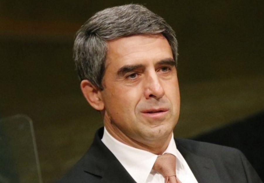 Президентът Росен Плевнелиев с обръщение към всички българи: Оставам в политиката