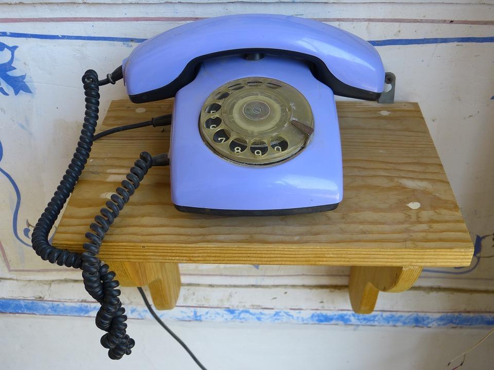 Защо бяхме по-щастливи, когато нямаше мобилни телефони в началото на 90-те