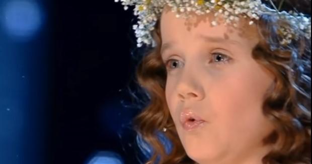 Никой не предполагаше какво ще се случи, когато това малко момиче излезе на сцената! (ВИДЕО)