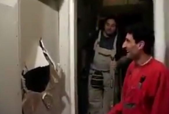Няма такъв майстор! Вижте как се забавляват българските майстори, докато правят ремонт! (ВИДЕО)