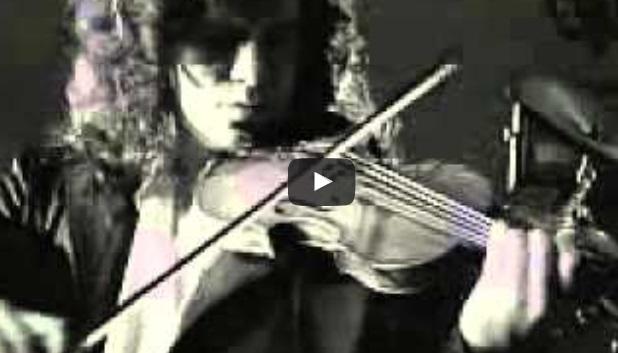 СТРАХОТНА неостаряваща българска песен, актуална и днес! Няма човек, който да не я знае! (ВИДЕО)
