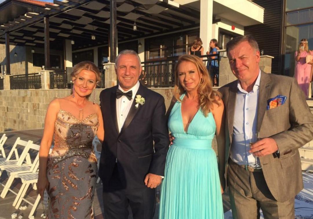Вижте стила, блясъка и щастието от сватбата на Христина Стоичкова! Ексклузивни снимки от Фейсбук профила на Илиана Раева! (СНИМКИ)