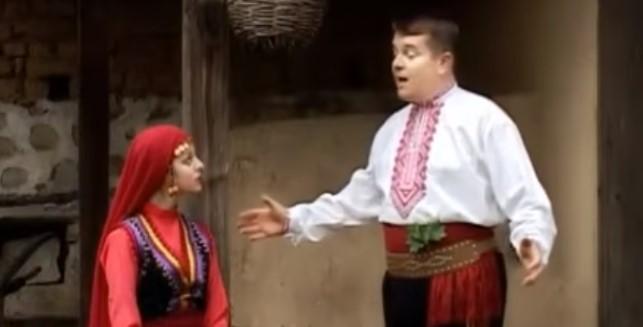 Насладете се на българската фолкорна песен! Поздрав с хита на Илия Луков! (ВИДЕО)