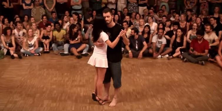 Тази танцуваща двойка впечатли всички! Само погледнете какъв спектакъл сътвориха двамата! (ВИДЕО)