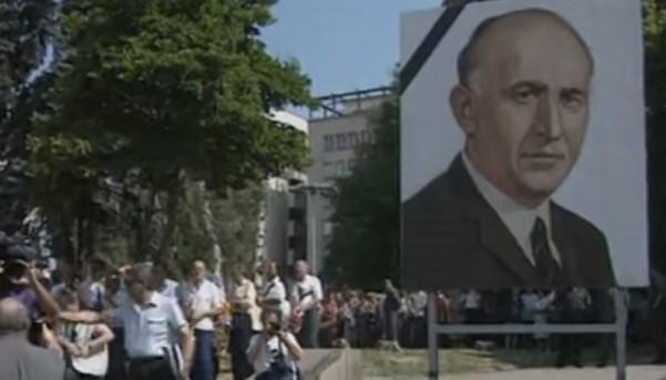 Днес почина Тодор Живков! Едва ли друг български политик ще има такова погребение! (АРХИВНО ВИДЕО)
