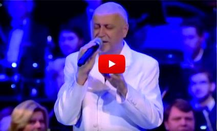 Песента, която ВЗРИВИ Интернет! Данчо Караджов ни хвърли в екстаз с това изпълнение! (ВИДЕО)