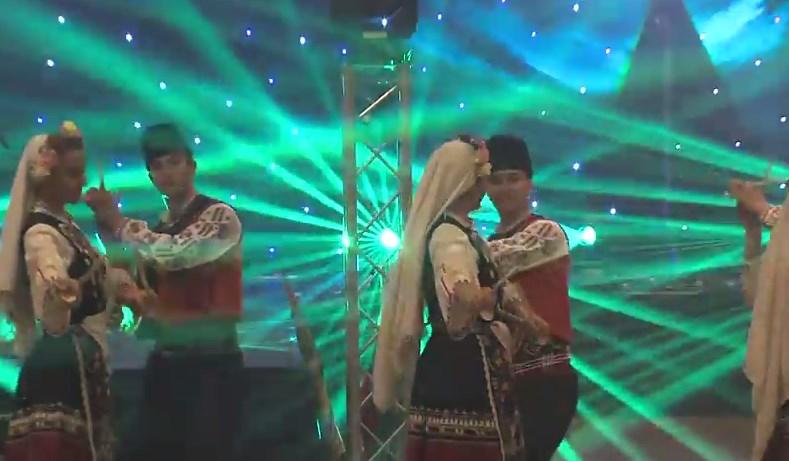 Лондон е български! Фолклорът ни превзе английската столица, вижте хората, докоснали се до магията! (ВИДЕО)