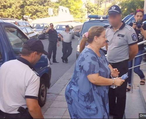 Черната вдовица от Бургас държала мъжа си под арест. Вижте зловещата диета на клетника!