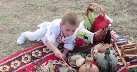Патриотично ВИДЕО прославя и почита българските традиции, отделете му малко от времето си