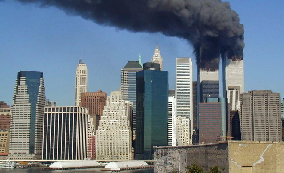 15 години от страшната трагедия. Да си припомним Апокалипсиса и невинните жертви на терора (ВИДЕО)