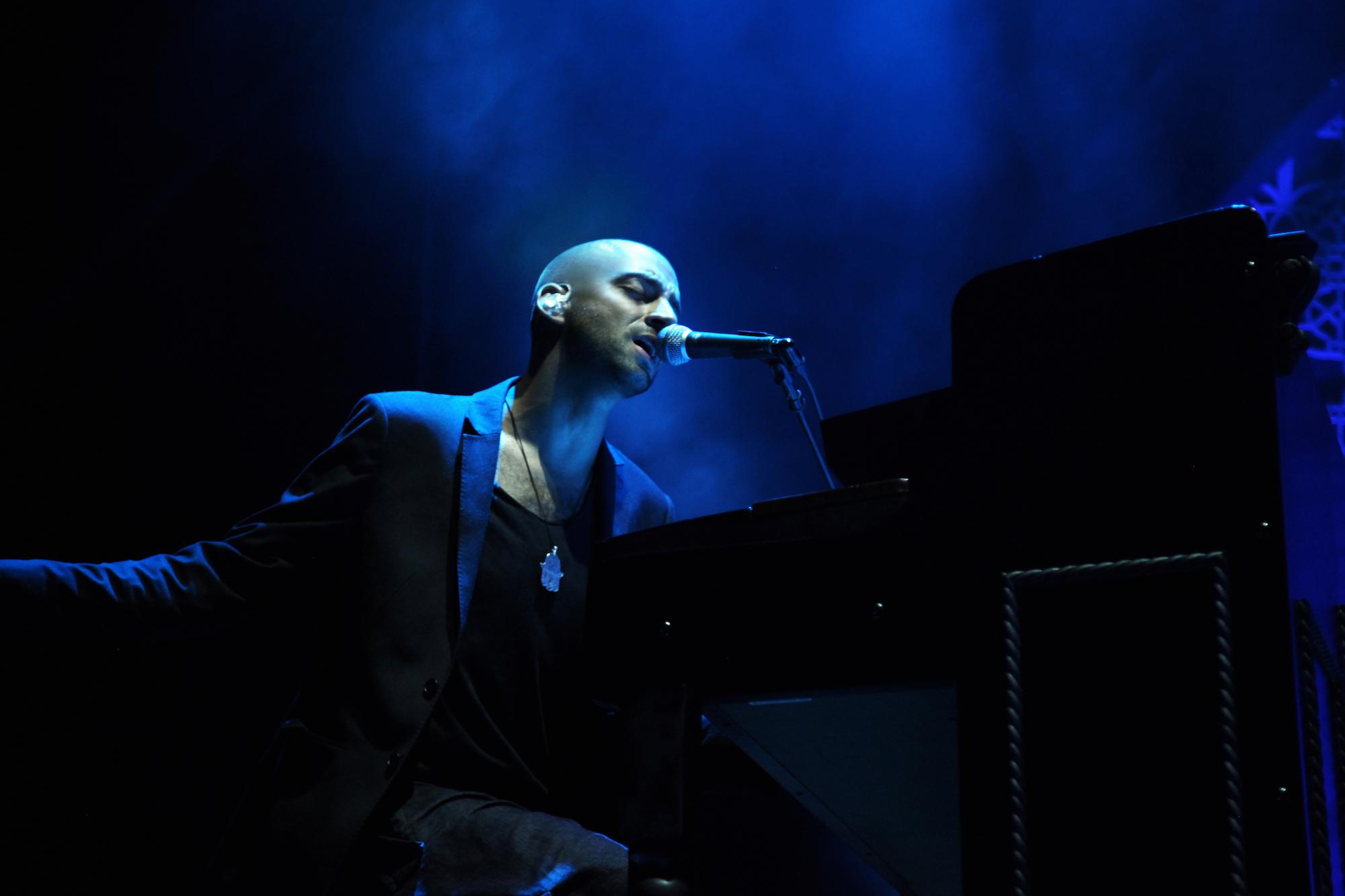 Готвят страхотно шоу за концерта у нас на световна звезда, пяла на ухо на Обама!