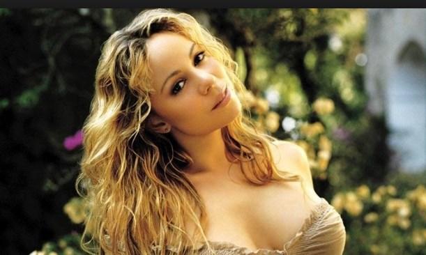 Марая Кери шашна феновете си. Вижте какви голи снимки с брилянти пусна звездата в мрежата!