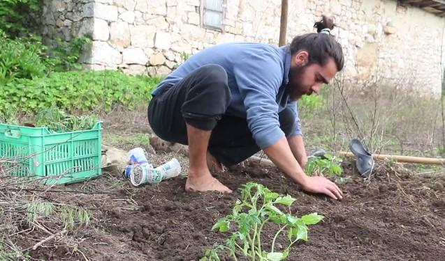 Българин избра да се завърне в родното си село след години в чужбина. Вижте защо