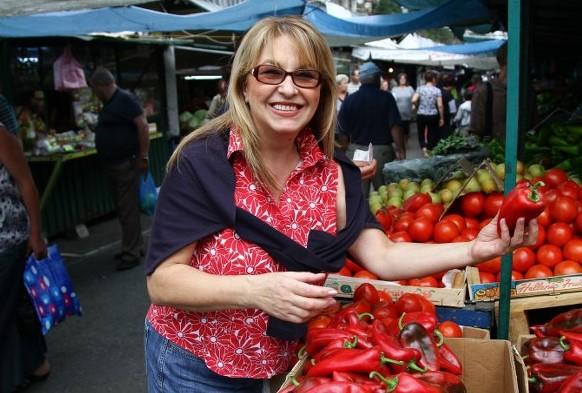 Марги Хранова разкри тайната на вкусната си лютеница. Вижте какво страхотно изобретение й помага в печенето
