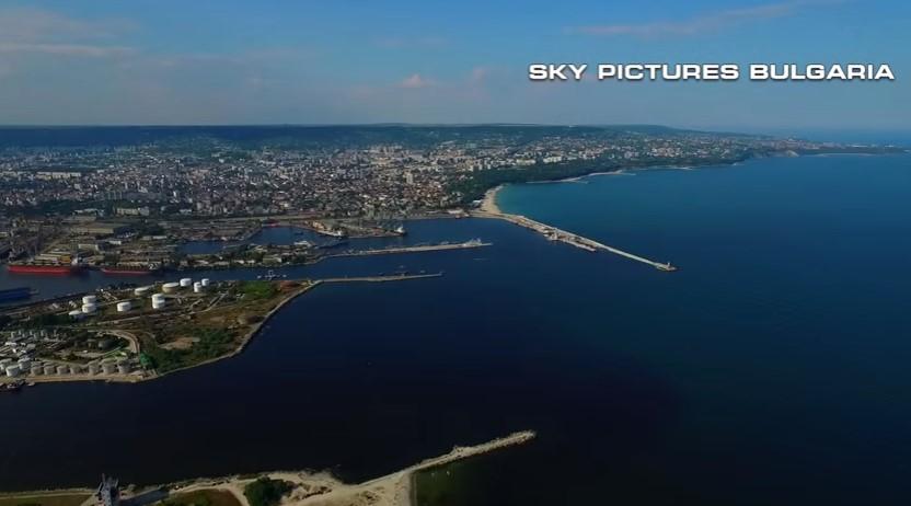 Красотата на България е несравнима. Няма да повярвате каква гледка се разкрива, когато дрон снима Варна (ВИДЕО)