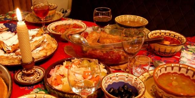 На Димитровден идва зимата. Сложете на трапезата си много месо. Вижте кои черпят на големия християнски празник