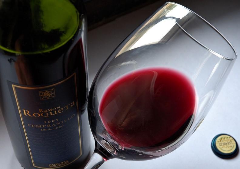 Чаша вино на ден убива от упор лошото настроение и депресията. Вижте къде е допустимата граница