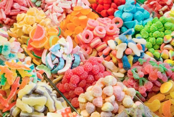 Гледайте това видео! Спомнете си за него, преди да си купите желирани бонбони от магазина (ВИДЕО)