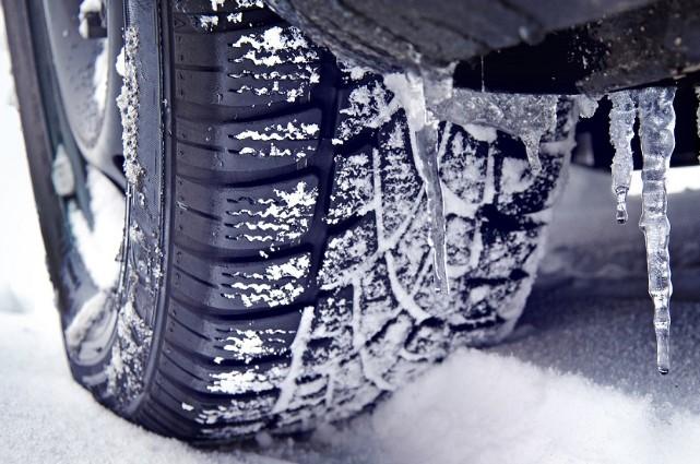 Внимание, шофьори! Температурите падат, сменете летните гуми, когато термометърът покаже тази температура