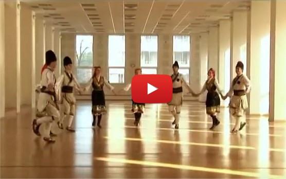 Страхотното Петрунино хоро, идващо от Шопската фолклорна област! Да му се насладим повече хора! СПОДЕЛЕТЕ го! (ВИДЕО)