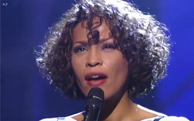 Да си спомним за кралицата на мелодичната песен с тази НЕЗАБРАВИМА балада, изпълнена на живо! ПОКЛОН! (ВИДЕО)