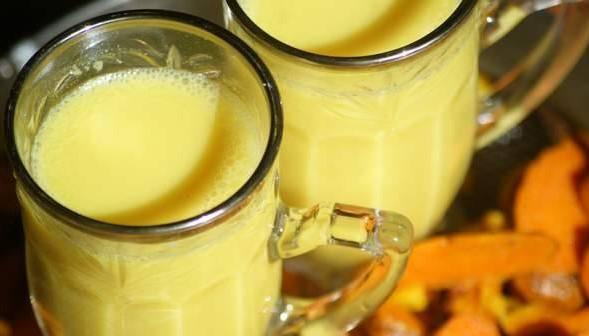 """""""Златно мляко"""" – изключително ефективна напитка с широкоспектърен профилактичен и лечебен ефект! Ето и рецептата й!"""