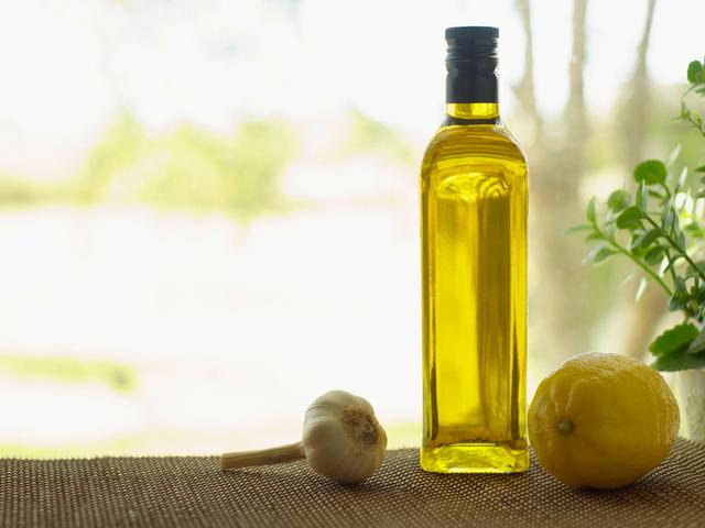 Ако направите комбинация от лимон, зехтин и изворна вода, ще бъдете винаги в отлично здраве!