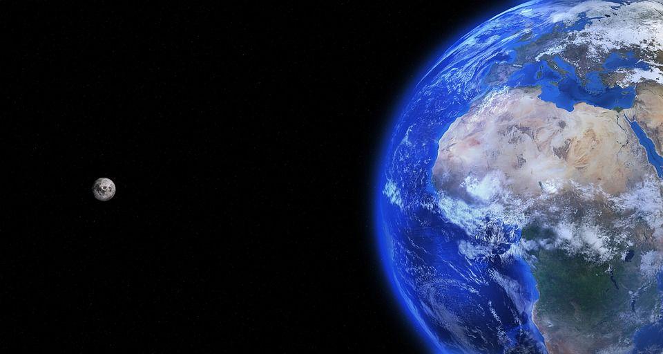 Луната и Земята се сближават помежду си по своя орбитален път. Вижте какво ще се случи на 14.11.2016