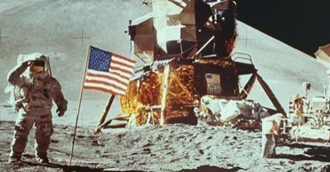 Българин качва Армстронг на луната! Ето защо професор Табаков е по-напред от Джон Атанасов