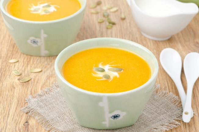 Не пропускайте този ноемврийски еликсир! Крем супа от тиква и кестени ни зарежда с витамини и пази от куп болести (РЕЦЕПТА)