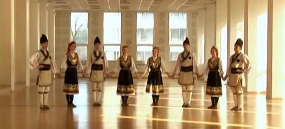Страхотното Петрунино хоро, идващо от Шопската фолклорна област! Да му се насладим (ВИДЕО)