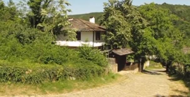Обезлюдяването е факт! Едва 40 стари хора обитават болярското отпреди 150 години българско село Боженци (ВИДЕО)