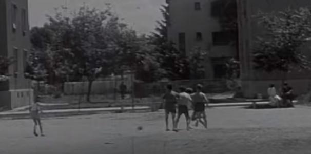 Такова детство няма да видите днес! Ето как живееха децата през 60-те години на миналия век (ВИДЕО)