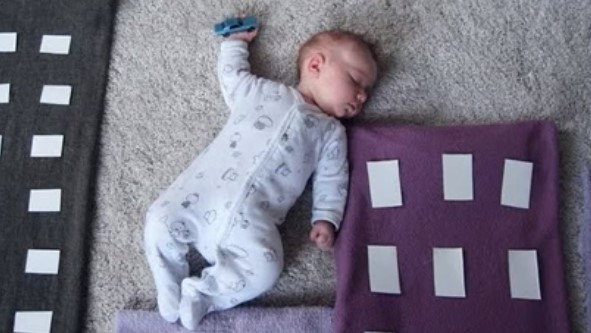 Няма да повярвате какво прави тази майка, щом новородената й дъщеря заспи! Това се казва изкуство (ВИДЕО)