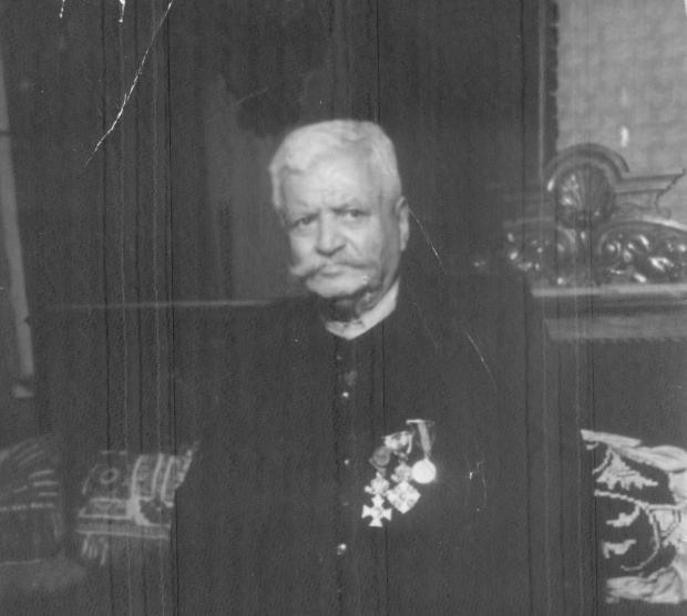 От малкото овчарче до един от най-големите индустриалци - Аврам Чальовски