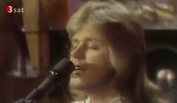 Наслада за душата! Великолепно изпълнение на песен от 70-те, която е любима на цял свят (ВИДЕО)