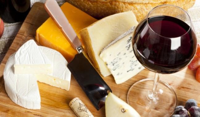 Защо е полезно да си пийваме домашно приготвено червено вино