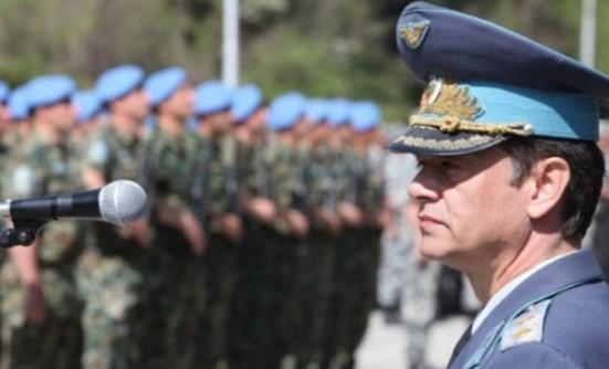 България е на колене! В пика на бежанската криза армията ни е в опасност