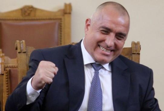 Бойко Борисов свали картите! Остава премиер, ако отреже главите на двама министри