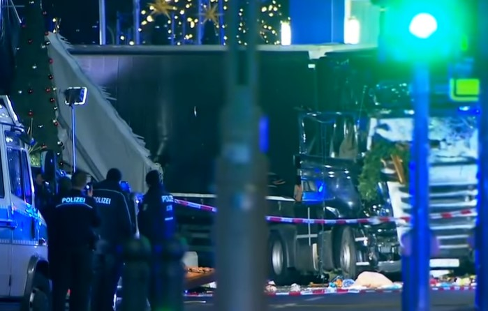 В Берлин стана страшно! Шофьорът, карал камиона ковчег, се оказа бежанец (ВИДЕО)