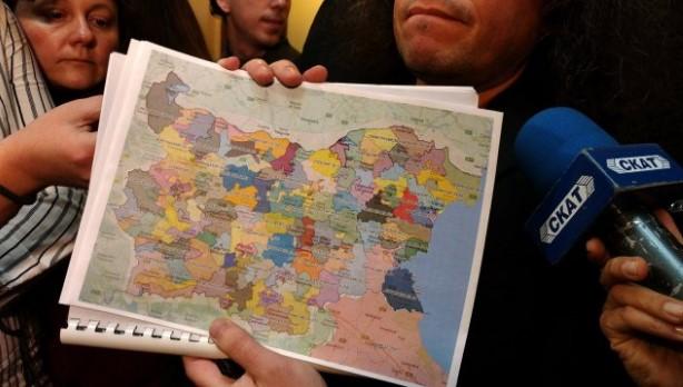Слави Трифонов готов с картата, която ще промени България. Разделят страната