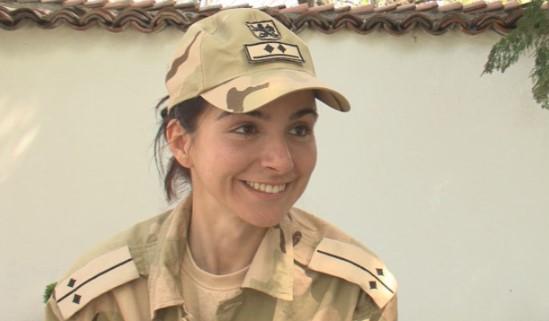 Красавицата Славена Желязкова – лейтенантът, който върна войниците си невредими от Афганистан…