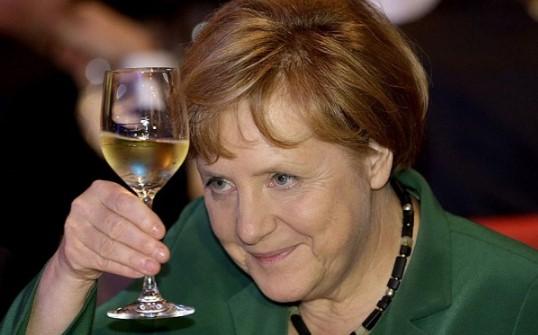 Страшна опасност надвисна над България! Меркел взе фатално решение, пуска стотици хиляди