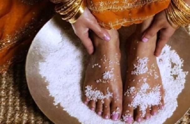 Вековен ритуал прави тялото като ново. Отровите се изсмукват през краката, трябва само да направите този лесен ритуал