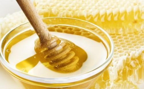 Всеки трябва да го знае. Тази комбинация прави чудеса, нежно е само да смесим мед и лимон
