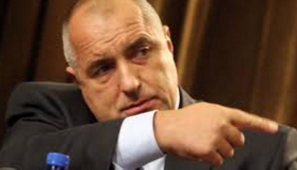 В най-напечения момент Борисов събра ГЕРБ и удари по масата: Оставаме, докато ни сменят