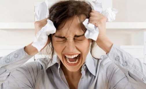 ВНИМАВАЙТЕ! Ако имате тези симптоми, значи сте ПРЕКАЛЕНО СТРЕСИРАНИ…